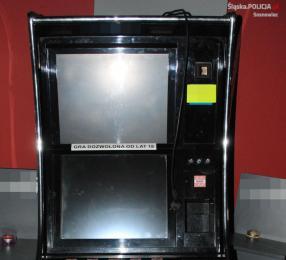 Policjanci z celnikami zatrzymali kolejne automaty do gier