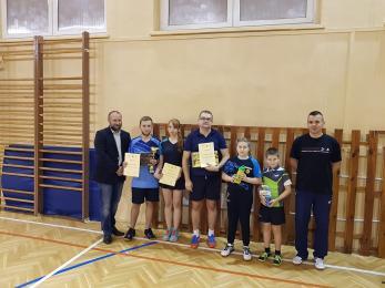 Laureaci Turnieju Tenisa Stołowego z okazji 100 - lecia odzyskania Niepodległości