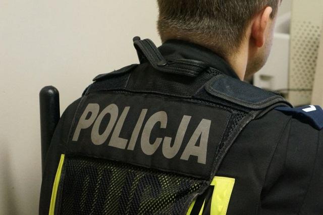 Pijany 27-latek zniszczył maskę pojazdu