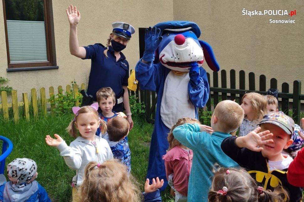 Policjanci spotkali się z najmłodszymi w Dniu Dziecka