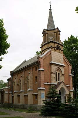 Maczki - Kościół pw. św. Apostołów Piotra i Pawła